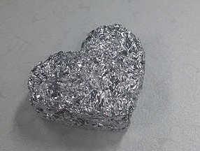 Los detectores de metales si pueden detectar papel de aluminio